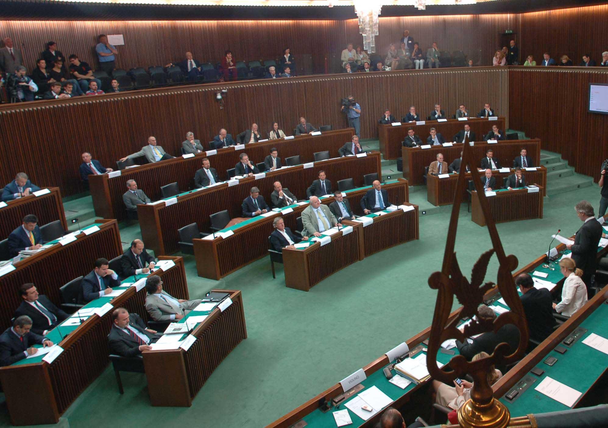 Trieste: si scusa immediatamente, ma resta il rammarico per quella bestemmia in Consiglio regionale